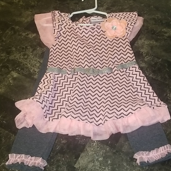 Like new little lass outfit